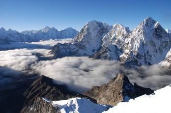 Lobuje Peak (6119m.)